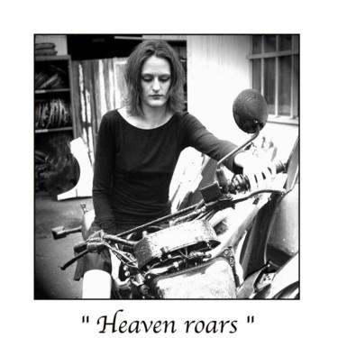 Heaven roars